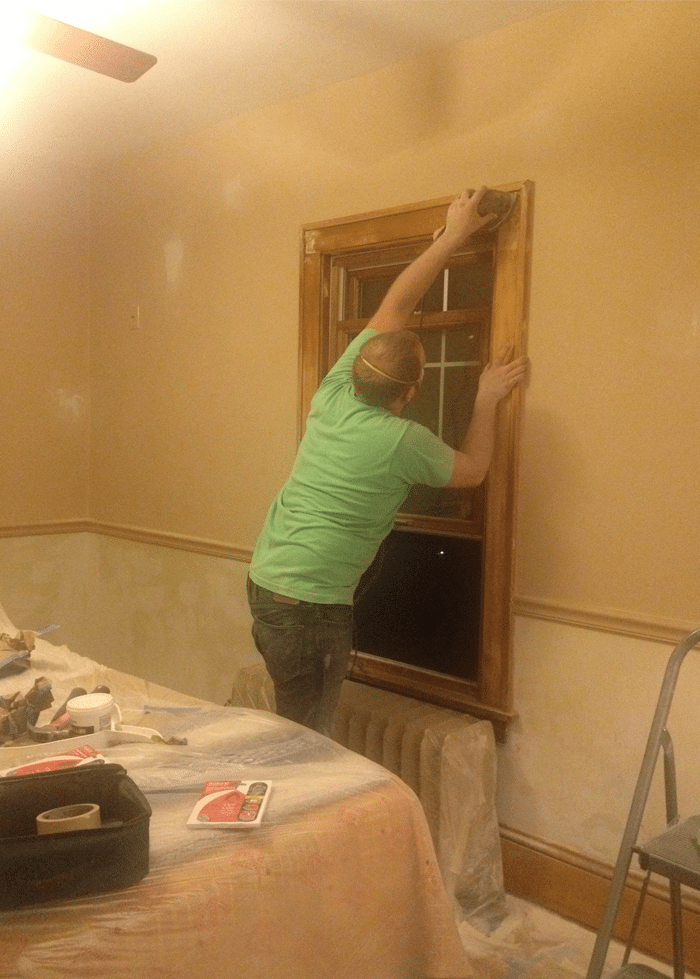 bedroom-sanding-windows