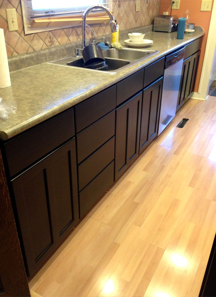 kitchen-black-cabinets